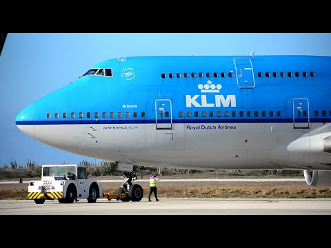 KLM Boeing 747-400 pushback and take off