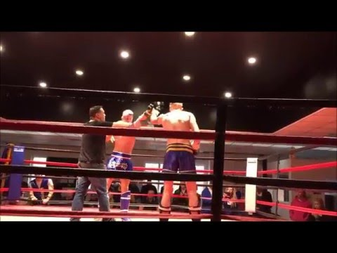 Ben Woodall vs James Frost -  Kstar Muay Thai show 13th December