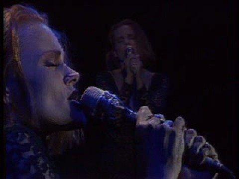 Belinda Carlisle performs Vision of You Live