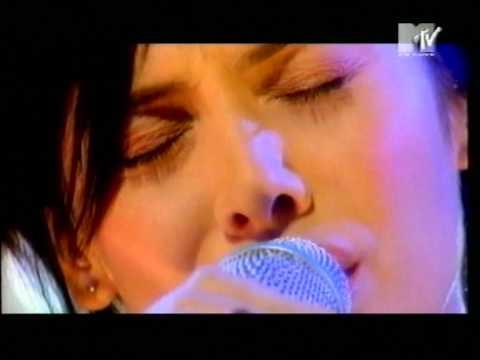 Natalie Imbruglia - Smoke  (Live 1998)