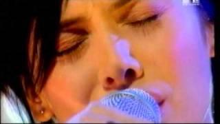 Natalie Imbruglia   Smoke  (live 1998)