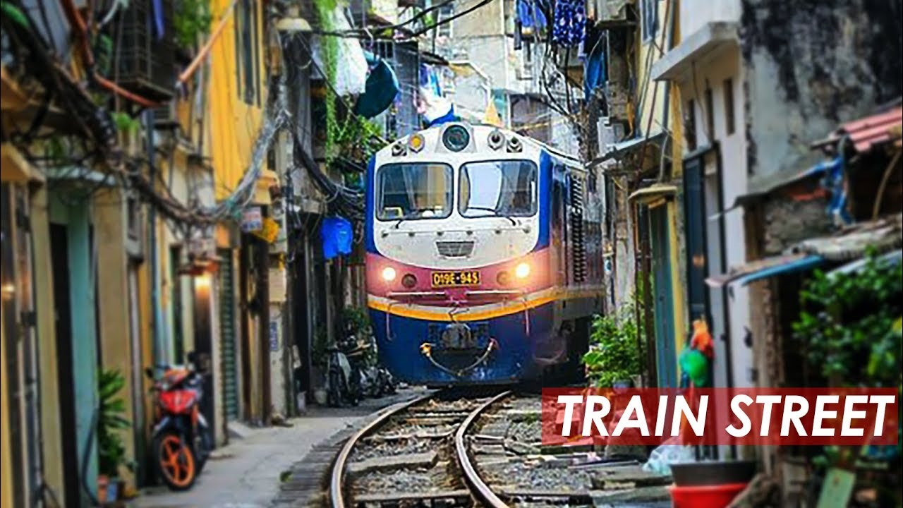 Train Street Hanoi, Dangerous Railway Track Near Homes in ...