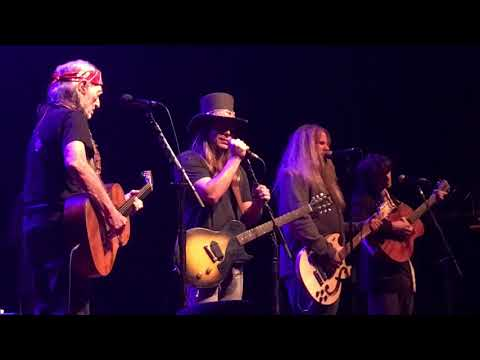 Can I Sleep In Your Arms - Willie, Lukas, Jamey, & Micah - 12/31/17
