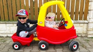 OUTDOOR ACTIVITY - Little Tikes Cozy COUPE little girl Elis and BROTHER Thomas
