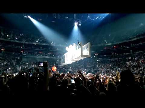 Rihanna - Woo & Sex with me  - Anti World Tour Prague 2016