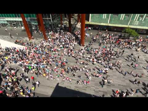 Waka Waka Biggest flashmob in the...
