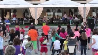Zumba® Fitness w/ Mircea - Move it up ( Muevelo )