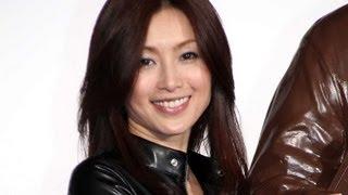昨年12月の主演舞台で女優業に復帰した酒井法子さんが2月12日、東京・六...