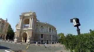 Оперный театр в Одессе и экскурсии на ретромобиле(Видео с обзором оперного театра в Одессе и фонтана, ретромобиль и экскурсии на нём., 2016-07-03T06:32:16.000Z)