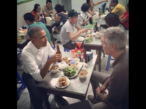 ENGSUB ★ Barack Obama eats Bun Cha Hanoi & drinks Hanoi Beer ★ Obama đi ăn bún chả Hà Nội
