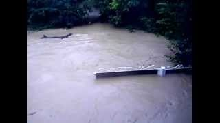 наводнение в Крымске 07.07.12 года(наводнение в крымске 07.07.2012 г. видео снято утром., 2012-08-16T11:20:35.000Z)