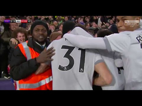 What happened as soon as a Crystal Palace steward celebrated Man Utd's late winner