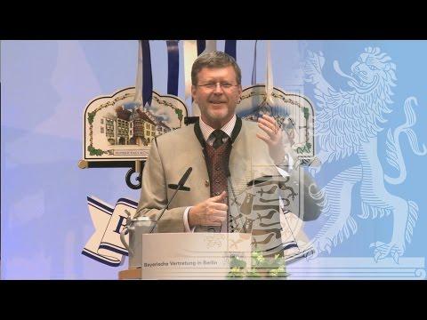 Traditioneller Maibock-Anstich in Berlin mit Staatsminister Huber - Bayern