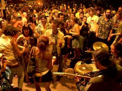 Live Music in Victoria Park, London