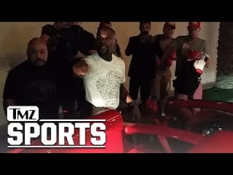 Floyd Mayweather Parties at Girl Collection Strip Club after Conor McGregor Fight | TMZ Sports