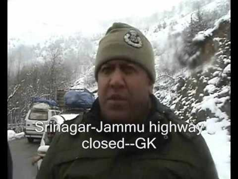 Snowfall breaks dry spell in Kashmir