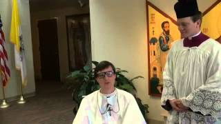 Seminarian dresses like Pope Francis, celebrate across campus