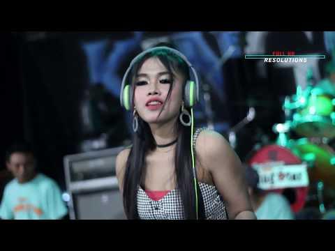 Perform DJ Charisa Revanol Goyang 2 Jari New King Star Live Ngiyono Japah Terbaru