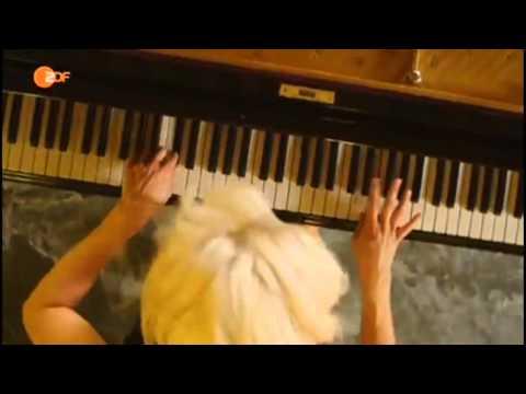 Valentina Babor - ABBA Medley (Ein Herbsttag in Stockholm)