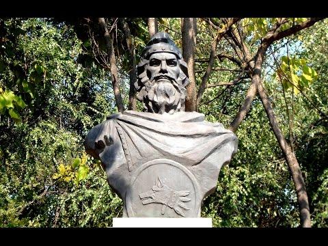 Statue Of Burebista, The Dacian State Founder - Calarasi