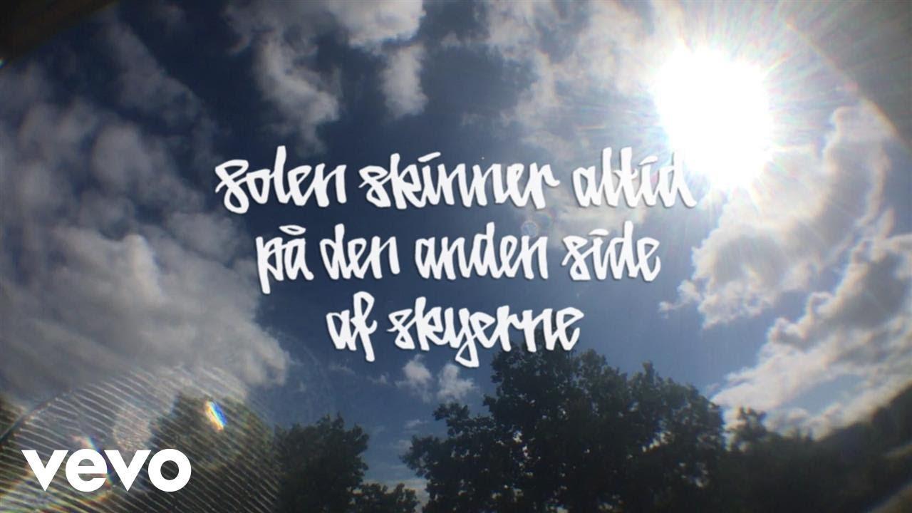 bogfinkevej-solen-skinner-altid-pa-den-anden-side-af-skyerne-lyric-video-ft-wafande-bogfinkevejvevo