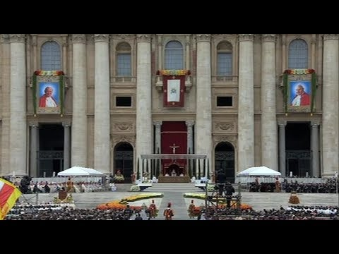 Pope\'s Canonization Mass: John Paul II and John XXIII were brave and hopeful, even amid challenges
