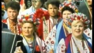 Первомай в Киеве 1986 года. Горбачев.(Первомайская демонстрация в Киеве 1986 года. Горбачев., 2016-04-27T08:41:07.000Z)