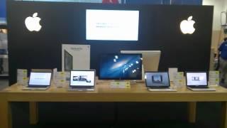 Стенд Apple в магазине Best Buy: мечта!(хочуууууу! не знаю, что именно, но все эти компусики такие милые! сейчас у меня большой, который стоит к нам..., 2012-12-27T18:35:54.000Z)