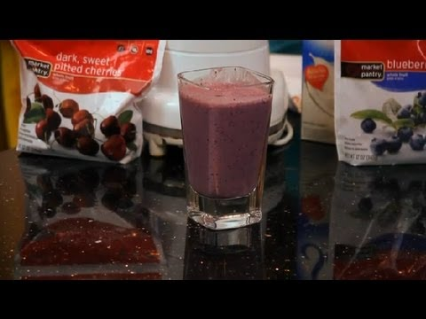 Smoothies With Greek Yogurt : Making Smoothies