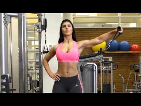 ケーブルサイドレイズ女性版】肩周りを引き締めるジムマシン筋トレ|GLINT