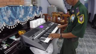 Đàn Organ Giải Trí Niềm Vui Của Người Lớn Tuổi