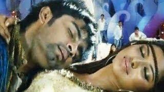 Nirantharam Nee Oohallo Songs - Chekumuki - Amala Paul - Adharva