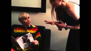 Miley Cyrus & Avril Lavigne play fight