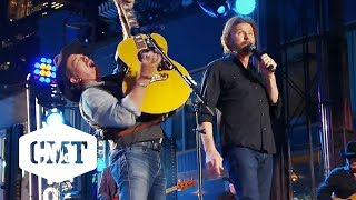 "Brooks & Dunn Perform ""My Maria"" 