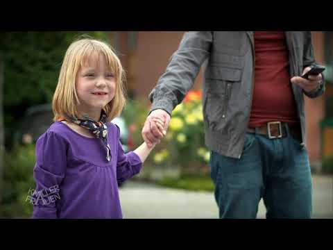 Kinder auf dem Flohmarkt abziehen [subtitled] | Knallerfrauen mit Martina Hill