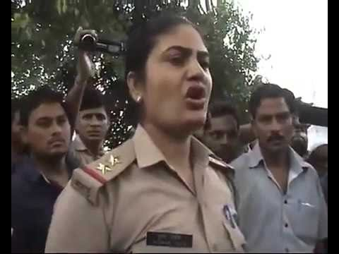DISGUSTING Act ★ Indian Motorcyclist GUY Slams LADY Traffic Cop #PityFeeling