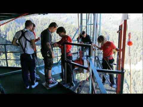 192  Meter Extreme Bungee Jumping von der Europabrücke ( Crazy Shit. But I like it...)