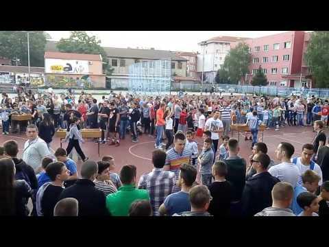 Trojka iz bloka u Kosovskoj Mitrovici
