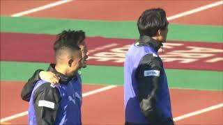 左からクロスが入り、ゴール前で混戦となった後のこぼれ球を増田 誓志(...