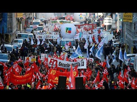 الإضراب العام  مستمرٌ في فرنسا ومعركة -عض الأصابع- على أشدّها…  - 21:59-2019 / 12 / 12