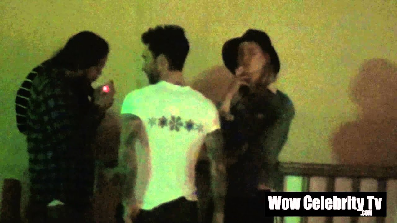 adam levine and behati prinsloo go out for a smoke break