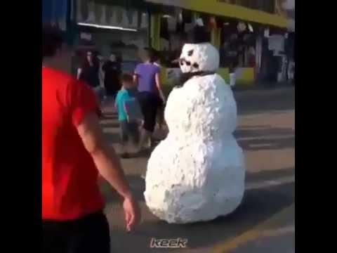 b9626530b رجل الثلج في الصيف - YouTube