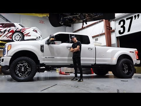 "2019 F350 Gets 3"" Level Kit and 22s!"