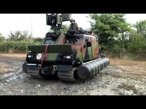 Le véhicule haute mobilité mis à l'eau