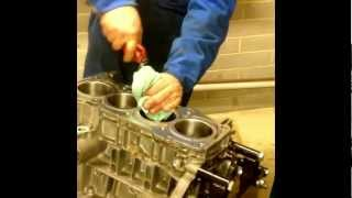 2AZ/1AZ Toyota: How to helicoil a headbolt thread.mp4