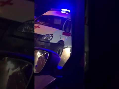 """В Балаково """"шестерка"""" врезалась в BMW и Яндекс.Такси"""