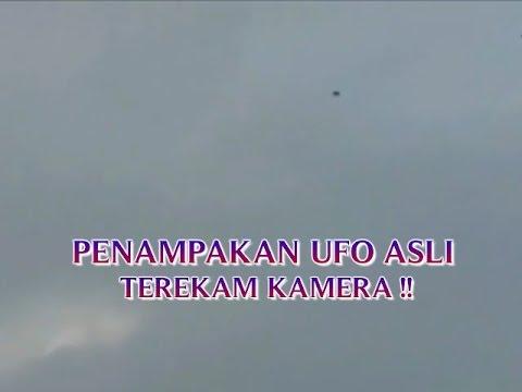 """VIDEO PENAMPAKAN UFO ASLI """"TEREKAM KAMERA TERBANG DI ..."""