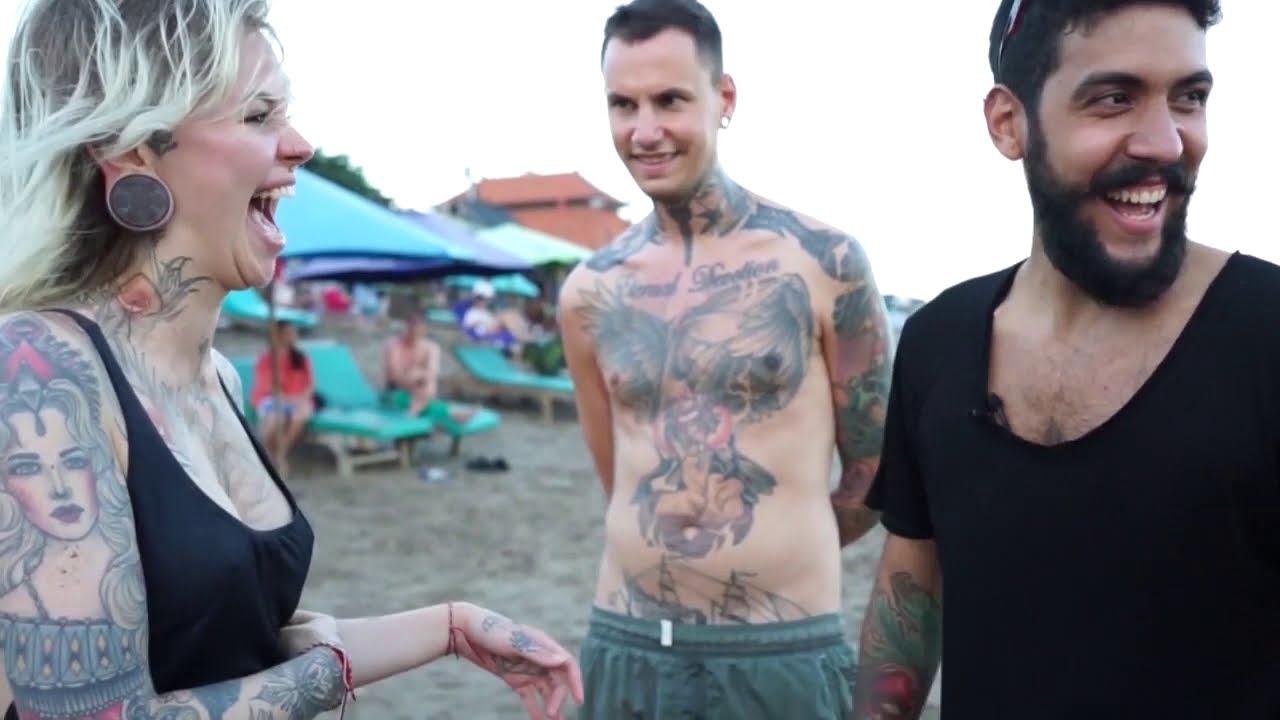 MENTALIST Guessing cute 7 GIRL'S Zodiac Sign at the beach