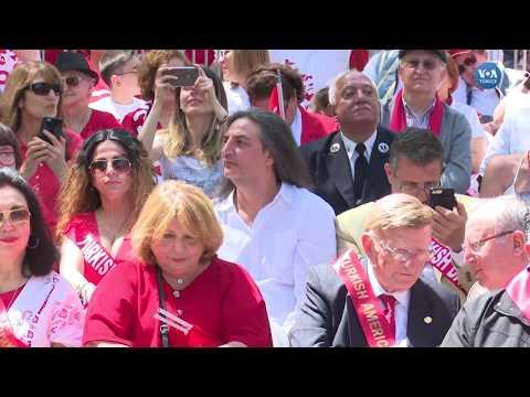 New York'ta Görkemli Türk Günü Yürüyüşü