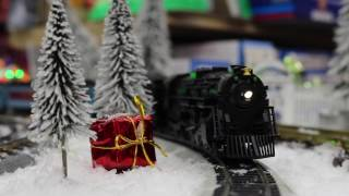 Lionel HO #58018 Polar Express Berkshire HO Scale Locomotive and Tender With Remote